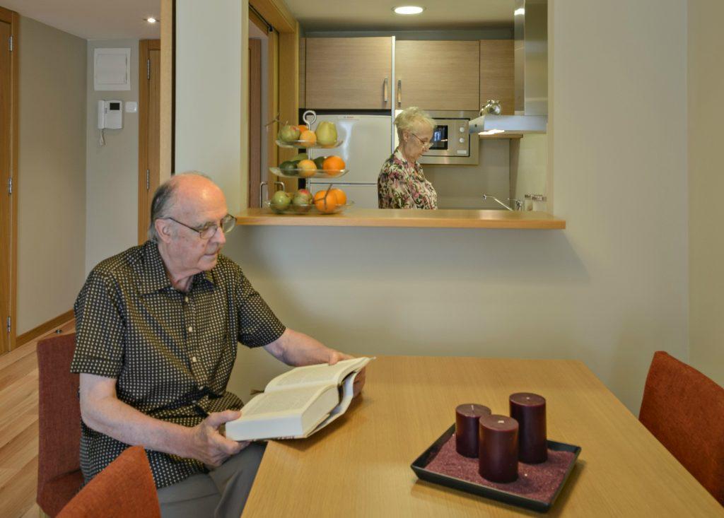 Lectura cuentos personas mayores